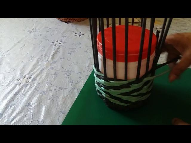 Корзиночка с узором зигзаг. Плетение из газетных трубочек