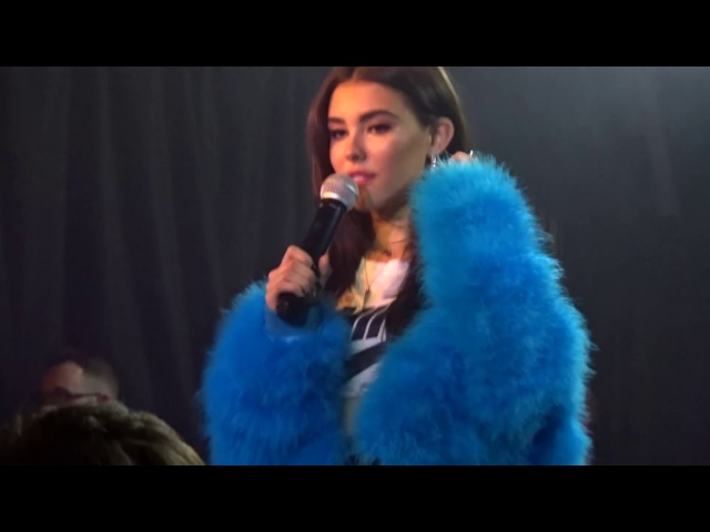 Madison Beer singing Bad Liar by Selena Gomez LIVE at the Hoxton Square Bar