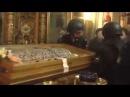 В России одна церковь отсудила у другой мощи святых...Изымали мощи приставы и по ...