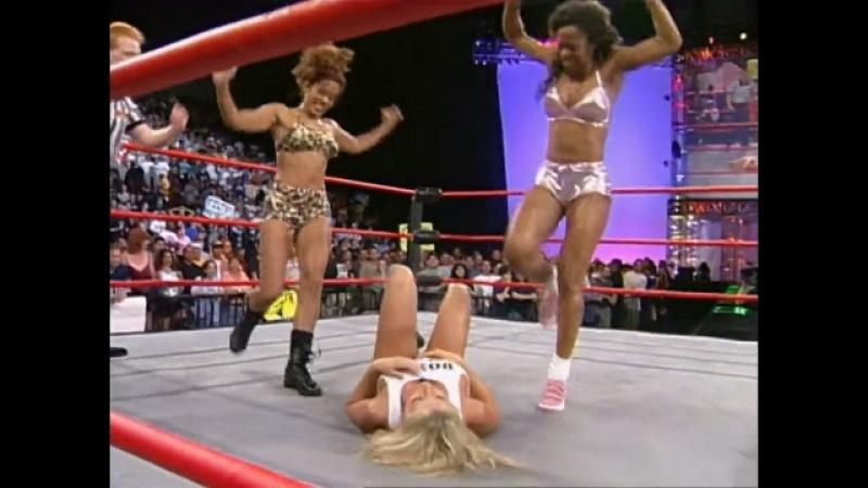 WCW Nitro 08/28/00 - Paisley vs. Tygress vs. Major Gunns