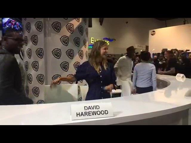 Supergirl cast live SDCC2017