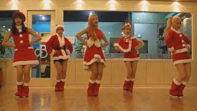Кореянки в валенках поют Русскую песню валенки