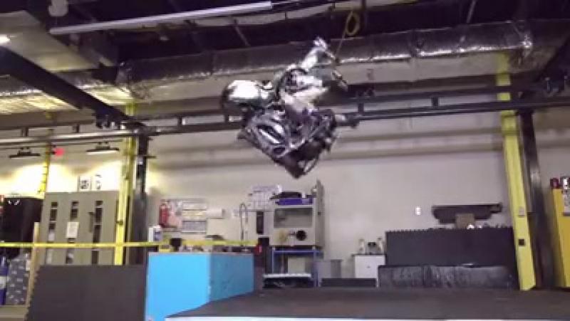 Прыгать будут роботы, а не человек!