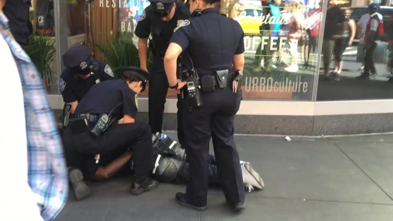 NY NJ PORT AUTHORITY POLICE TAKE DOWN SUSPECT AFTER RESISTING ARREST AND TRYING TO ESCAPE.