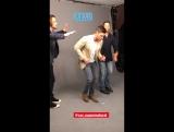 Джаред, Дженсен и Миша танцуют на фотосессии для EW (из истории EW на Инстаграме)