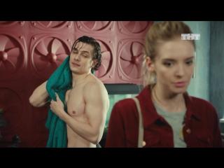 Девочки, как вам голый Соколов?