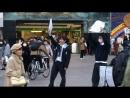 Токио, безумие, Free hugs