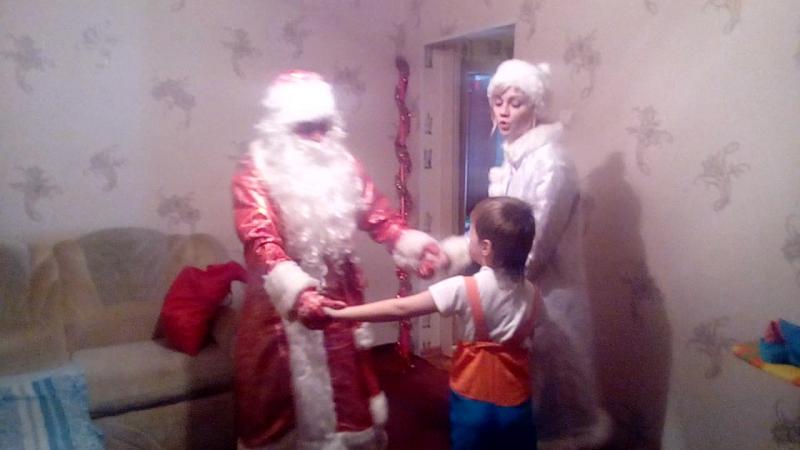 новый год - дедушка мороз :)