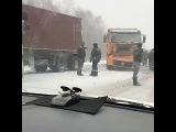 Жесткое ДТП . Трасса Уссурийск Владивосток . Снегопад 10.12.2017