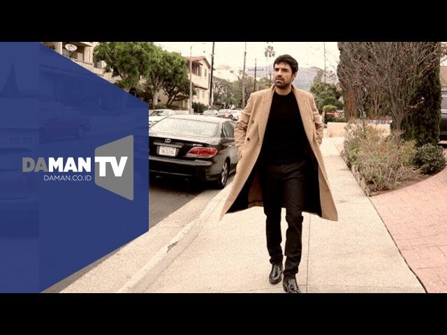 """A walk down the street with """"The Gifted"""" actor Sean Teale"""