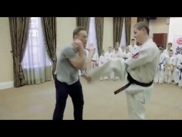 Ван Дамм - Каратэ спарринг (Мастер класс, черный пояс 2 дан)