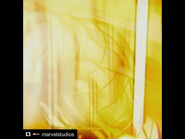 Elizabetholsenofficial: New trailer alert y'all... Repost @marvelstudios ・・・ Watch the new @Avengers: InfinityWar trailer (link in bio) and get your tickets now!