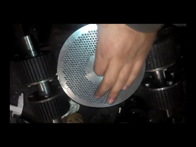 Как Сделать Матрицу Для Бройлеров 1,5мм 2мм 2,5мм! How to Make a Matrix for Broilers!