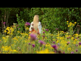 Видеоклип от Mariarti Studio. Летнее настроение... Эротика на природе.