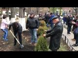 Выпускники ВГМУ им. Н.Н. Бурденко из Липецка подарили и посадили вместе с обучающимися деревья на территории университета 18.11.