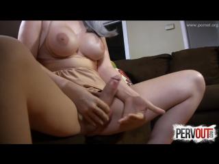 Jerks off her cock (красотки shemale   трансы ts ladyboy трапы sissy)