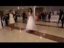 Девушка танцует лезгинку 360 X 640 .mp4
