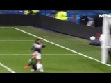 Криш-младший забивает ударом через себя с передачи Васкеса