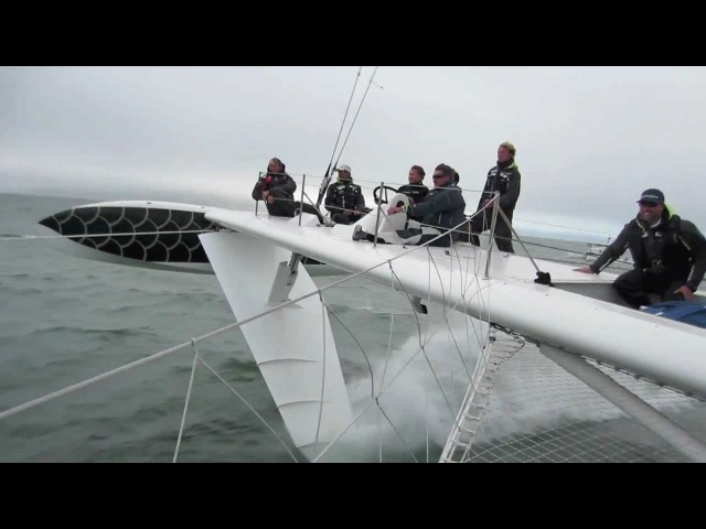 L'Hydroptere Storms SF Bay at 40 Knots
