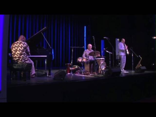 World Percussionist Tom Teasley Trio Live at The Kennedy Center Perform Seven Sisters