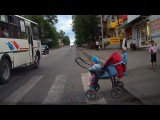 Яжемать - вы должны меня понять!/Mother and child on the road in danger!