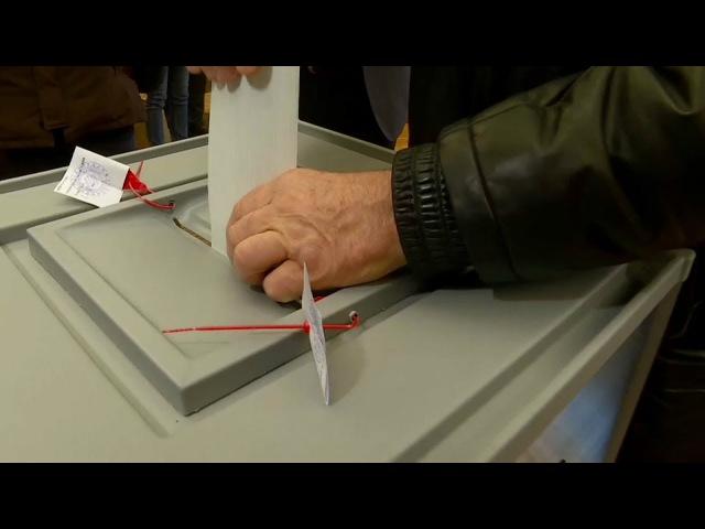 Голосуют все кто выбирал президента России
