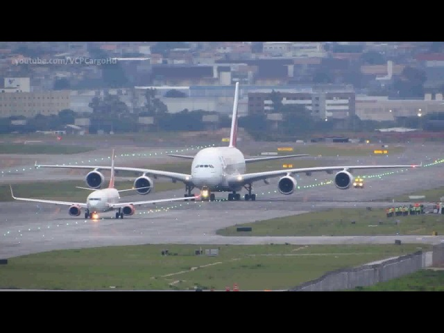 Airbus A380 800 vs Boeing 737 800