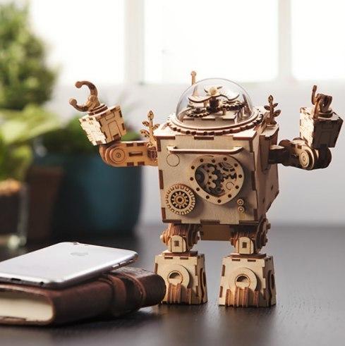 Сборный робот-музыкальная шкатулка