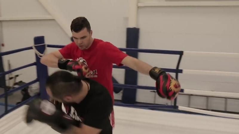 Удары локтями в муай тай и польза вазелина — техника ударов локтями в тайском боксе от Артема Левина