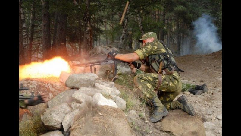 Стреляющие горы (2010). Нападение боевиков на полевой учебный лагерь