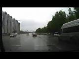 ▶ Момент массовой аварии с участием маршрутки в Челябинске попал на видео