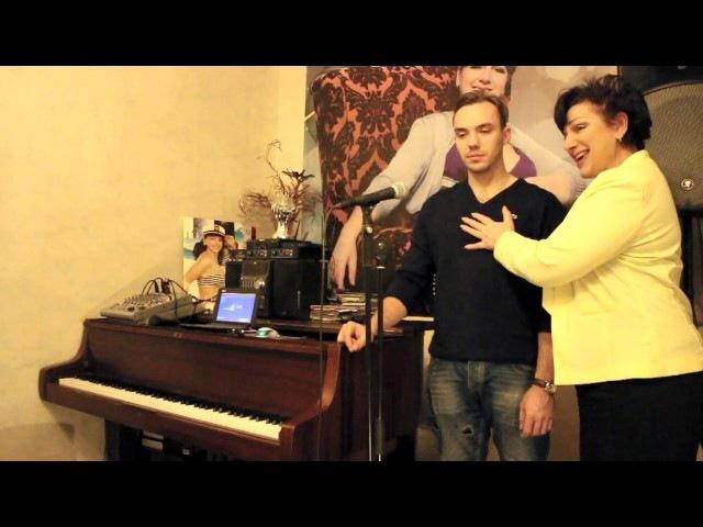 Урок по вокалу №14   Распевки   Работа над звукоизвлечением » Freewka.com - Смотреть онлайн в хорощем качестве