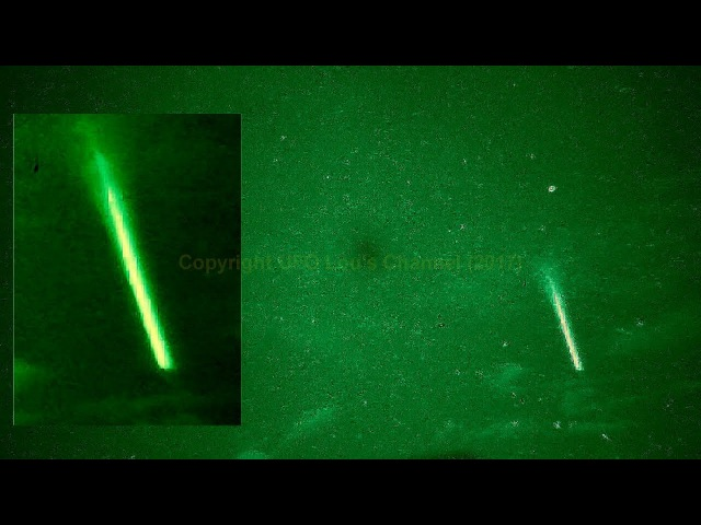 UFO Lou - Clear sky **INTENSE LIGHT BOLT** Strange...