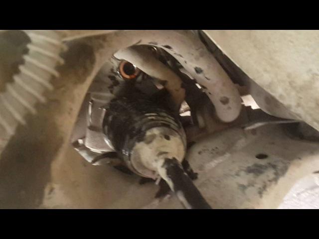Как снять шланг гур высокого давления на ланцер 9