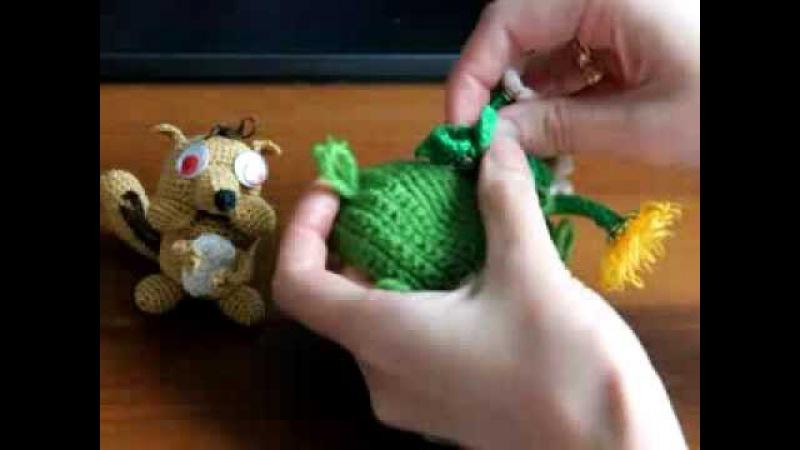 Развивающая игрушка Голодный бурундук и его норка с цветами и грибами