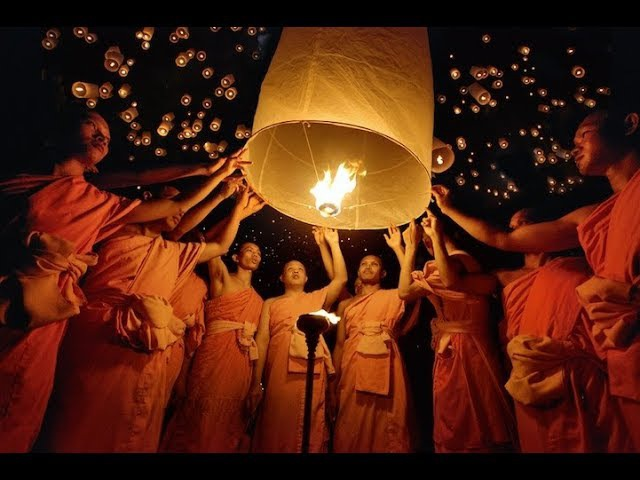 Фестиваль небесных фонариков в Тайланде