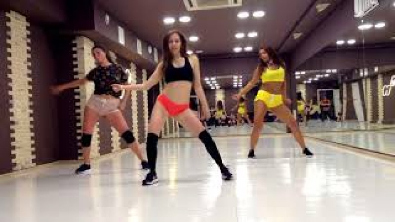 Lena Svoboda_Booty Dance Twerk