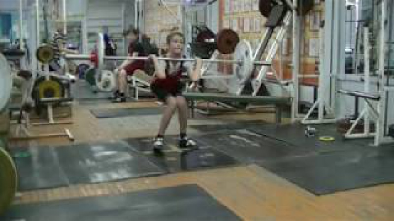 Попов Максим, 12 лет, вк 38 На грудь в сед 30 кг на 2 раза Есть личный РЕКОРД! Новичок