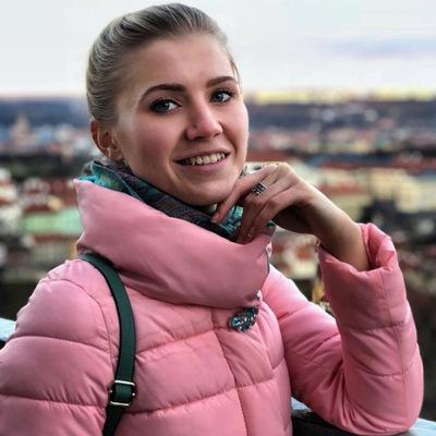 Анна Малёшина