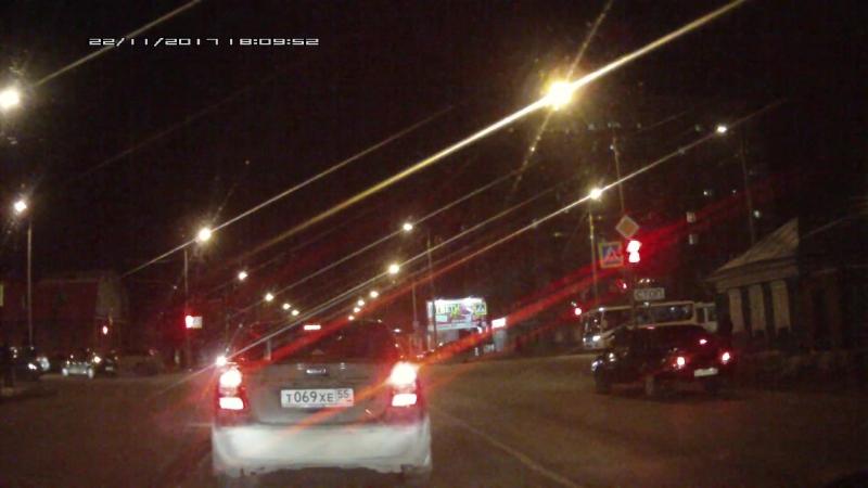Зато не тошнил на светофоре