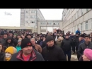 Губернатор Московской области Воробьев убегает от жителей Волоколамска