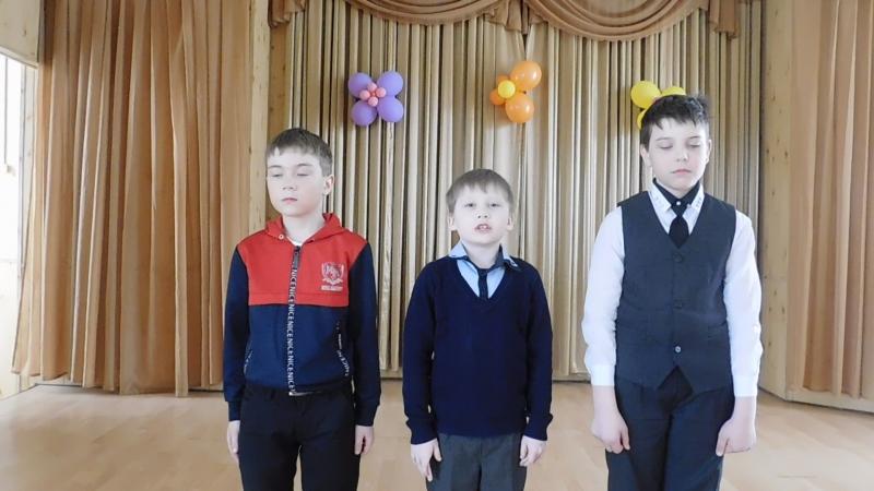Участники акции Живая вода - Капустин Евгений, Лешуков Михаил, Парфенов Ярослав, ученики 3 класса СОШ №1 г. Никольска.