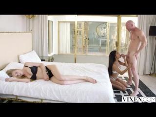 [VIXEN SNEAK PEEK] Kendra Sunderland, Nia Nacci & Johnny Sins (Sex Next To Me)