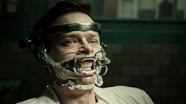 A Cure for Wellness in Hindi Movie Pic 7