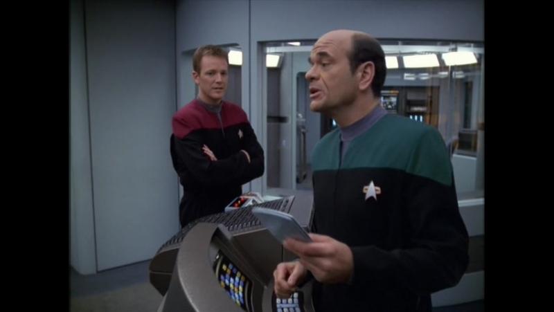 Star Trek - Voyager - 5x22 - Тот кто меня бережёт