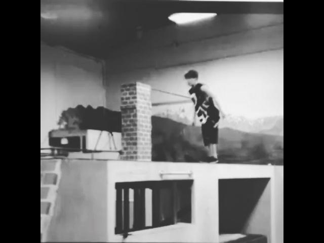 "EXILE TETSUYA / E.P.I. on Instagram: ""所長秘書です‼︎ パルクールパフォーマーZENくんの パルクー125"