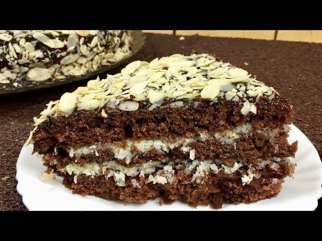 Шоколадный кекс с кокосом и миндальной стружкой