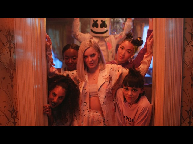 Marshmello Anne-Marie - FRIENDS (Music Video) *OFFICIAL FRIENDZONE ANTHEM*