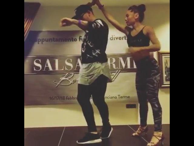 """@socialdancetv on Instagram: """"Salsa workshop 😊 Dancers: Fernando Sosa Jessica Patella Pages: @fernandososa_t.gem @jessica_patella salsa dan..."""