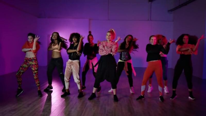 Zumba x Meghan Trainor - No Excuses / Official Zumba Choreo